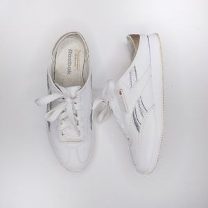 Reebok slip on sneaker white size 9